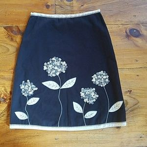 Boden floral embroidered skirt with buttons